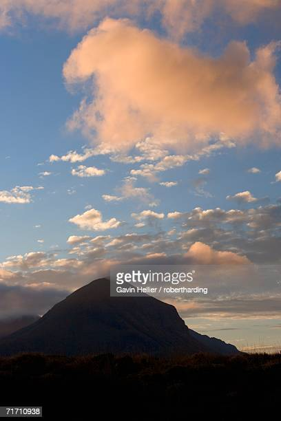 cuillin hills, isle of skye, inner hebrides, west coast, scotland, united kingdom, europe - gavin hellier stock pictures, royalty-free photos & images