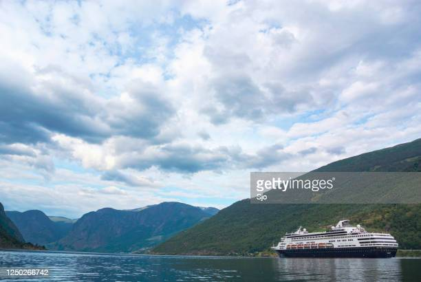 "cuirse ship ryndam of the holland america line in the aurlandsfjord in norway during a beautiful summer day - ""sjoerd van der wal"" or ""sjo"" stock pictures, royalty-free photos & images"