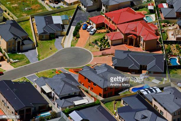 cul-de-sac, blair athol, south-west sydney, aerial photography - west direction stock pictures, royalty-free photos & images