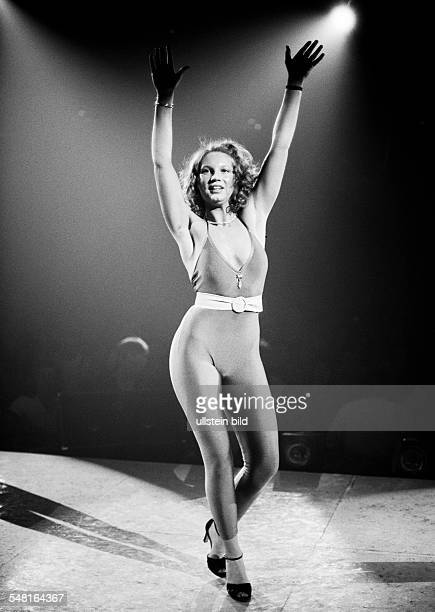 cultural event 1979 in the Westphalia Hall in Dortmund Bild Disco discotheque organized by the Bild Zeitung dance contest with nomination of the...