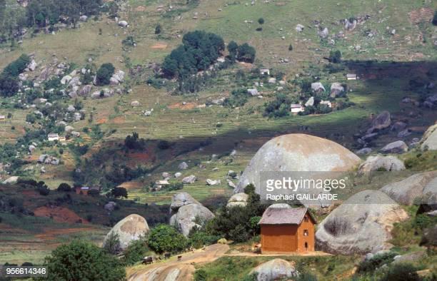 Cultures en terrasses dans la montagne avril 1992 Madagascar