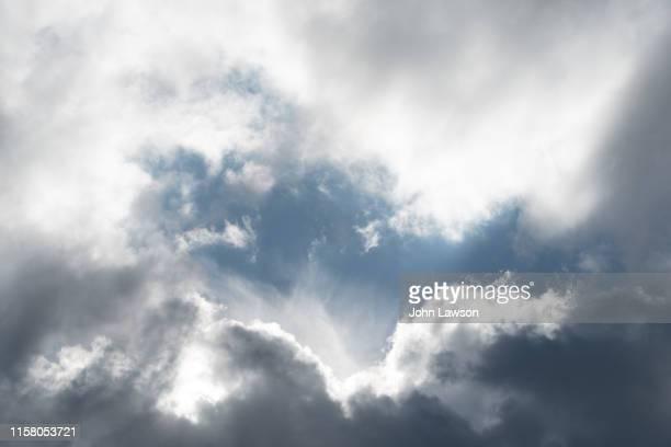cumulonimbus clouds - cumulus stock pictures, royalty-free photos & images