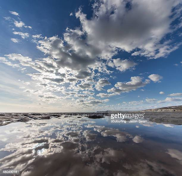 cumulus overload monday blues - s0ulsurfing stock pictures, royalty-free photos & images