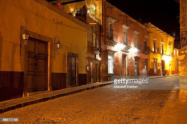 cuna de allende, street in central san miguel  - guanajuato stock pictures, royalty-free photos & images