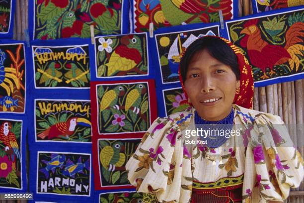 cuna woman with molas - mola stock pictures, royalty-free photos & images