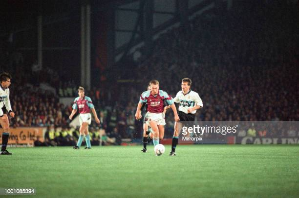 Cup 2nd round 1st leg match Aston Villa 2 0 Inter Milan held at Villa Park Dvid Platt on the ball for Villa 24th October 1990