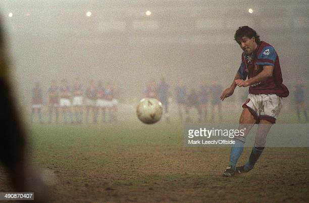 Cup 4th round replay Wimbledon v Aston Villa Villa's Dean Saunders takes a penalty during Wimbledon's 65 shoot out victory