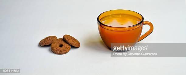 cup and cookies - cozinha stock photos and pictures