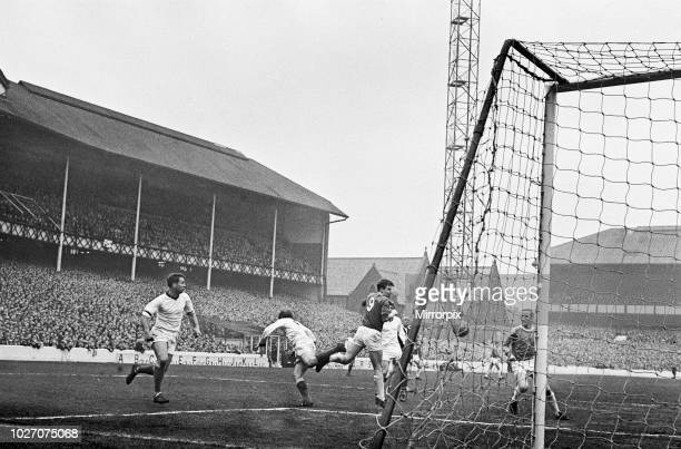 Cup Fifth Round match at Goodison Park. Everton 2 v Tranmere Rovers 0. Everton forward Joe Royle causing problems for the Tranmere defence. 9th March...