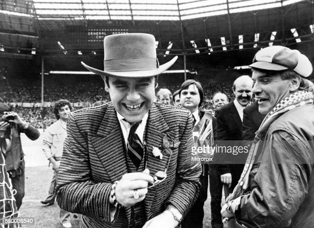 Cup Final at Wembley Stadium Everton 2 v Watford FC 0 Watford chairman Elton John shares a joke with Everton fans Freddie Starr before kick off 19th...