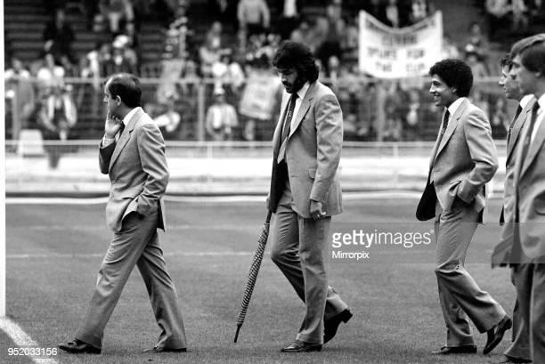 Tottenham Hotspur vs Queens Park Rangers Tottenham striker Ricardo Villa before the match May 1982