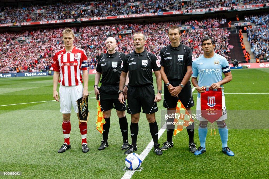 Soccer - FA Cup - Final - Manchester City v Stoke City - Wembley Stadium : News Photo
