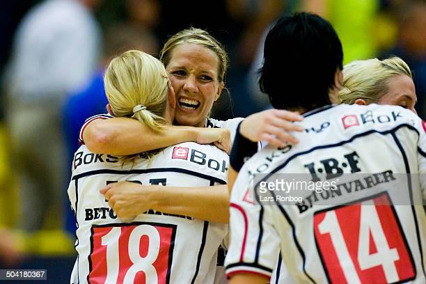 Cup Game Ikast/Bording celebration Gro Hammerseng Kari Anne Henriksen Katja Nyberg