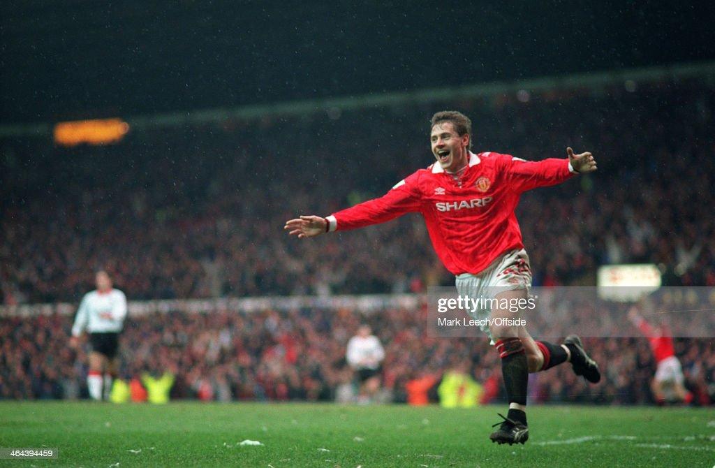 FA Cup 1994 - Man United v Charlton : News Photo