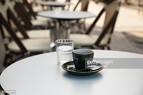 cup of coffee, french pub - jean marc payet photos et images de collection