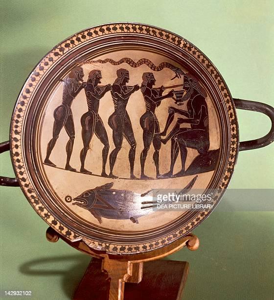 Cup showing Ulysses blinding Polyphemus blackfigure pottery Greece Greek Civilization 6th Century BC Paris Musée Du Cabinet Des Medailles De La...