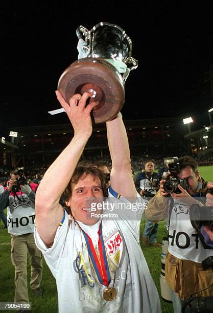 Cup Winners Cup Final, 13th MAY 1998, Stockholm, Sweden, Chelsea 1 v Stuttgart 0, Chelsea's goalscorer Gianfranco Zola holds aloft the European cup...