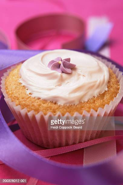 cupcake, close-up - heidi coppock beard bildbanksfoton och bilder