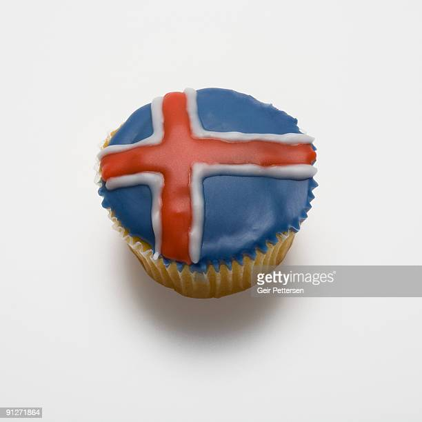 Cupcake decorated with the flag of Iceland