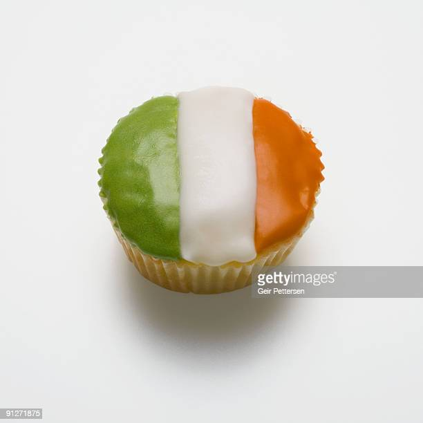 cupcake decorated with the flag of ireland - irish flag stock pictures, royalty-free photos & images
