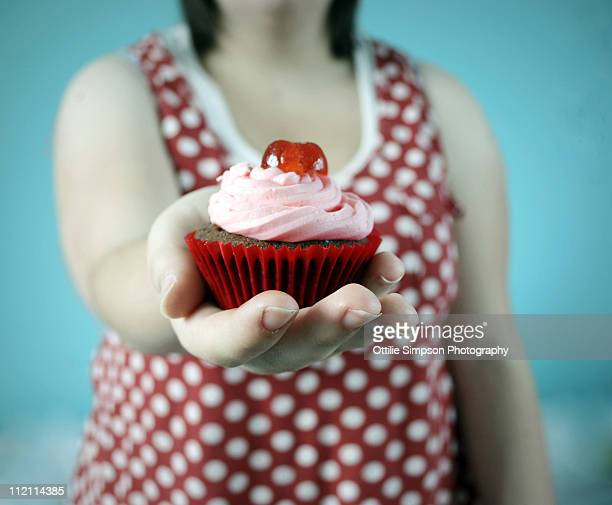 Cupcake hand