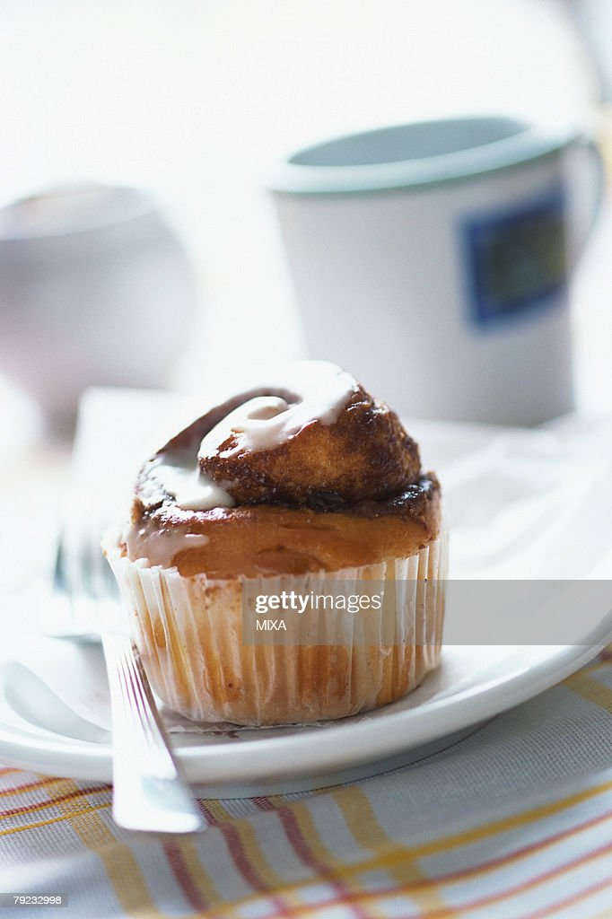 Cupcake on plate : Stock Photo