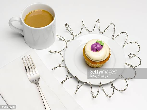 Cupcake with Barbwire Place Setting