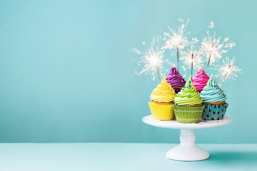 Cupcakes with sparklers 532180276