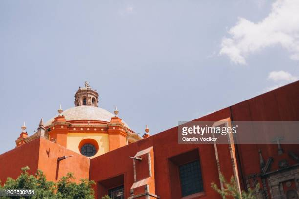 cupola of the templo de san francisco de assis church in downtown queretaro, mexico - queretaro state stock pictures, royalty-free photos & images
