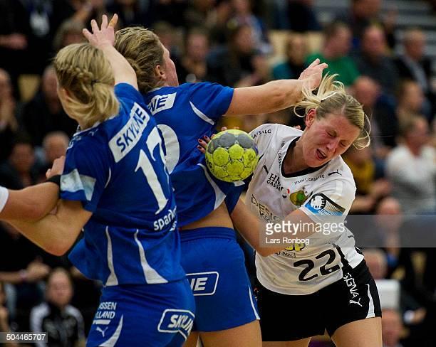 Cupsemifinale women Randers HK vs Viborg HK Johanna Ahlm VHK Viborg HK Katrine Fruelund Randers HK © Lars Ronbog Frontzonesportdk