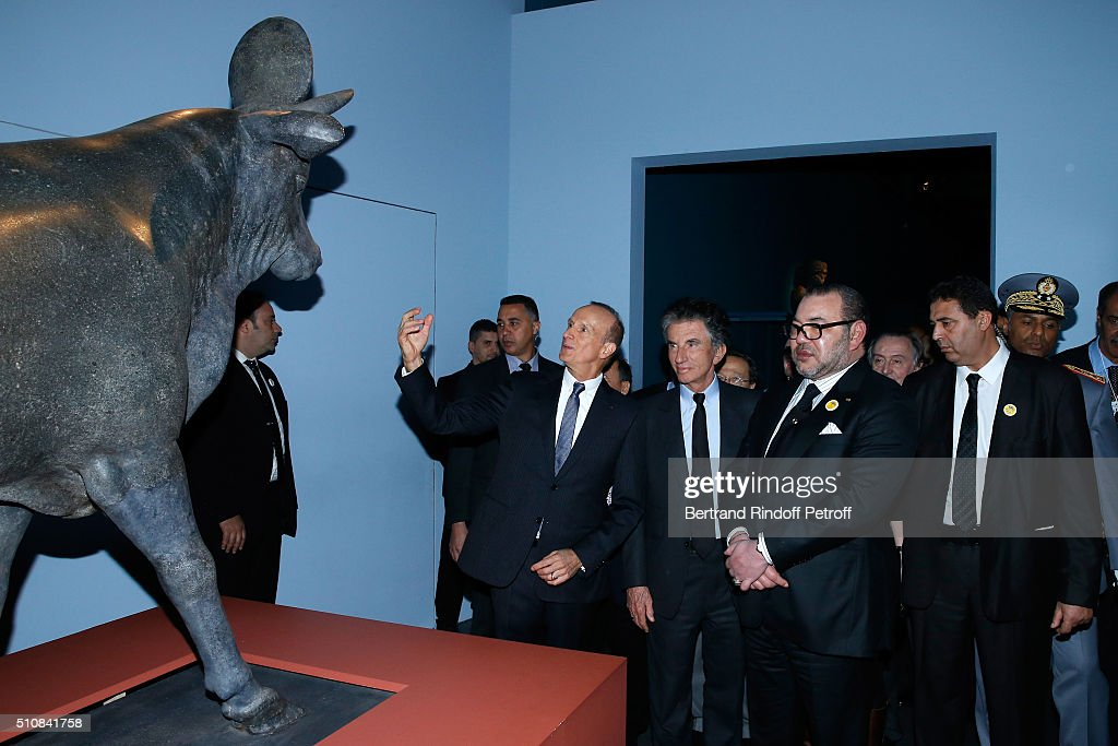 King Mohammed VI of Morocco Visits L'Institut Du Monde Arabe In Paris : ニュース写真