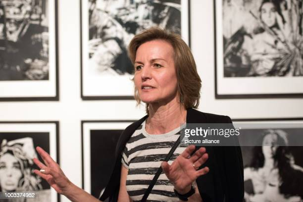 Curator Sabine Breitwieser speaks about the works at the exhibition 'Carolee Schneemann Kinetische Malerei' in Frankfurt/Main Germany 30 May 2017 The...