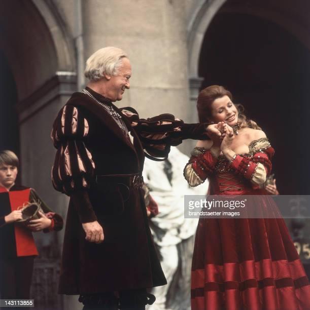 "Curd Jürgens as Everyman and Senta Berger as Buhlschaft in ""Everyman"" by Hugo von Hofmannsthal. Salzburg Festival. Photograph around 1975"