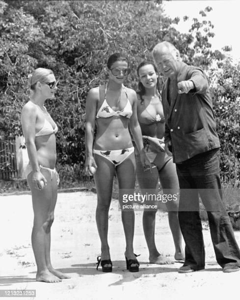 Curd Jürgens gibt bei einer Partie Boule einer seinen Mitspielerinnen einen Ratschlag. Der deutsche Star, der seit seiner Trennung von Ehefrau Simone...