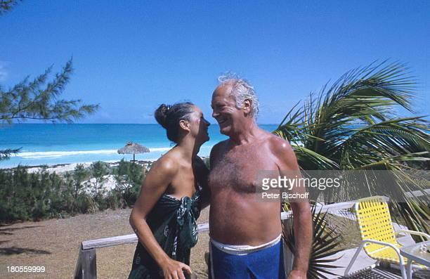 Curd Jürgens Margie Jürgens GreatHarbour Cay/ Bahamas/ Karibik UrlaubPalme Meer