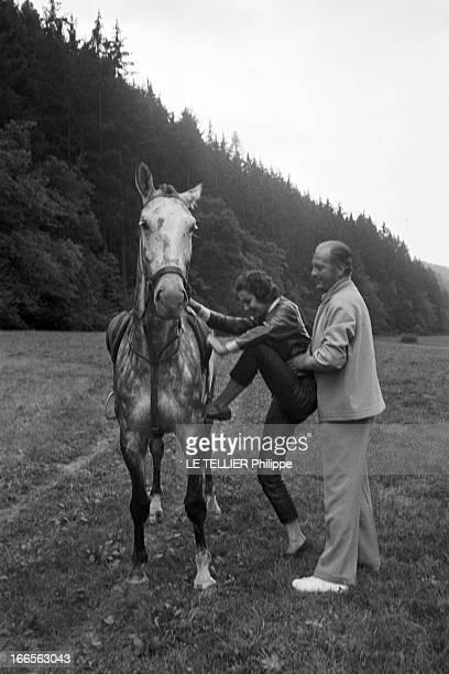 Curd Jurgens Marries Simone Bicheron. Allemagne Fédérale- 17 Septembre 1958- Dans la forêt Rhénane, lors de leur lune de miel, l'acteur de cinéma...