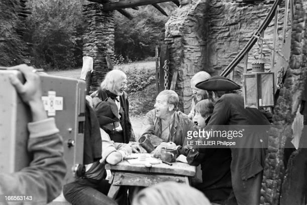 Curd Jurgens Marries Simone Bicheron. Allemagne Fédérale- 17 Septembre 1958- Dans la forêt Rhénane, lors d'un tournage de film, l'acteur de cinéma...