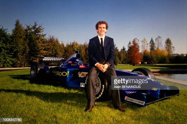 L'écurie automobile d'Alain Prost va vendre en ligne cette Formule 1 Prost Peugeot AP03 au profit de l'UNICEF en octobre 2000