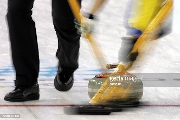 Curling Damen Finale Schweden - Schweiz women's gold Medal game Sweden - Suisse Aktion allgemein olympische Winterspiele in Turin 2006 olympic winter...