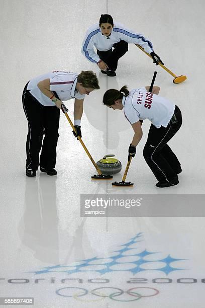 Curling Damen Finale Schweden Schweiz women's gold Medal game Sweden Suisse olympische Winterspiele in Turin 2006 olympic winter games in torino 2006
