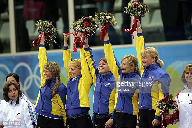 Curling Damen Finale Schweden Schweiz women's gold Medal game Sweden Suisse Jubel Mannschaft Schweden ber den Sieg vl Ulrike Bergmann Anna Svaerd...