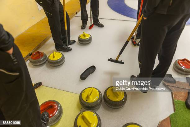 curling, traditional sport - curling sport stock pictures, royalty-free photos & images