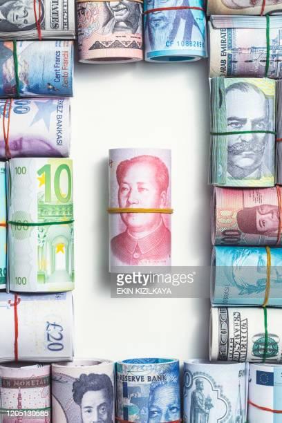 währungen der welt, chinesischer yuan - börsencrash stock-fotos und bilder