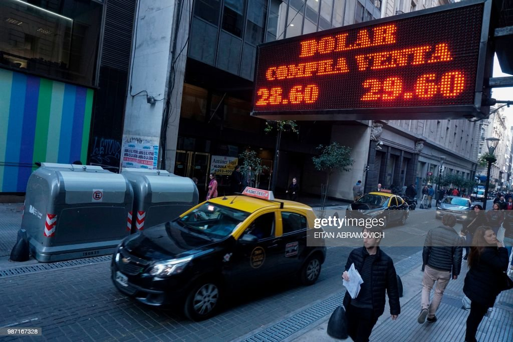 Bureau Exchange : A currency exchange bureau editorial photo image of sign