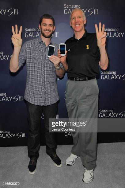 "Current and former NBA stars Kevin Love and Bill Walton showcase ""The Next Big Thing"" at the Samsung Galaxy S III launch day at Skylight Studios in..."