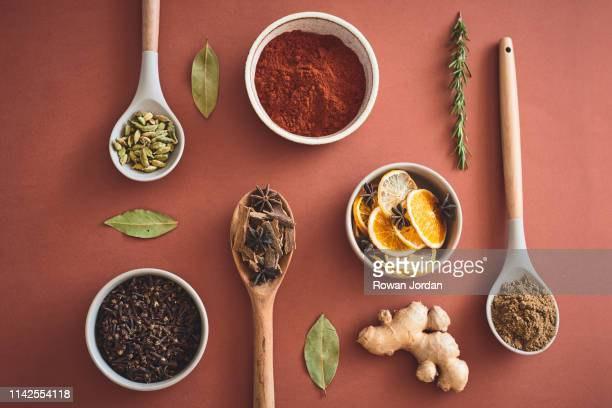 curry e especiarias e tudo o que é bom - ingrediente - fotografias e filmes do acervo