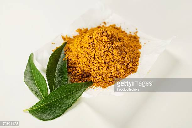 Curry powder and curry leaves