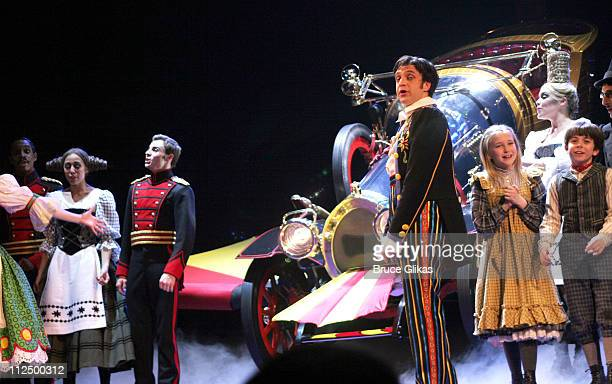 Curtain Call with Raul Esparza with The Cast and Car