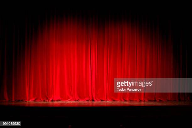 curtains falls - spotlit stock pictures, royalty-free photos & images