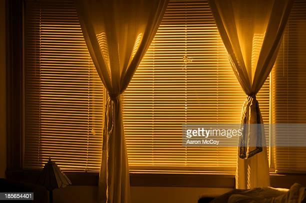 curtains - 日よけ ストックフォトと画像